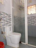 13S9U00028: Bathroom 2