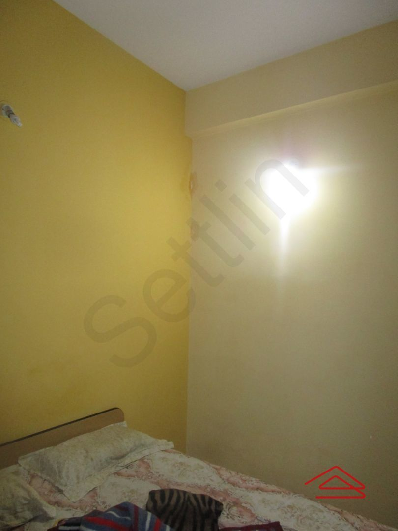 13J7U00027: Bedroom 1