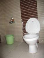 10F2U00086: Bathroom 2
