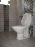 10F2U00086: Bathroom 1