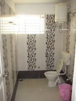 13M5U00080: Bathroom 1