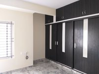 13OAU00305: bedrooms 2