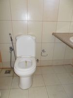 13A4U00068: Bathroom 2