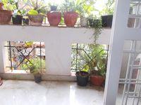 13J7U00022: Balcony 1