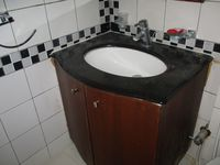 10A8U00424: Bathroom 5