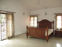 10A8U00424: Bedroom 2