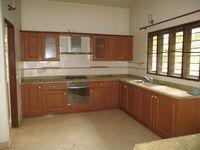 B12: Kitchen