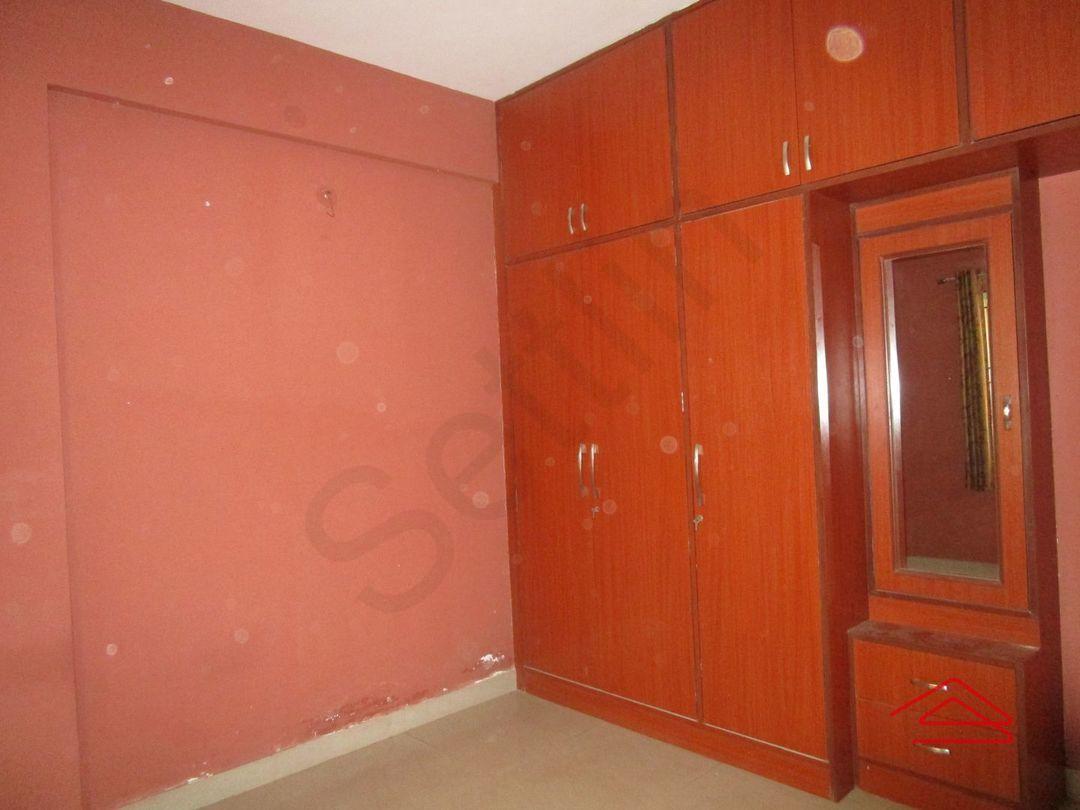 13M5U00667: Bedroom 1