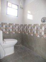 14J6U00268: bathrooms 1