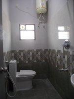 14J6U00268: bathrooms 2