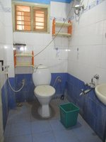 14J1U00389: Bathroom 2