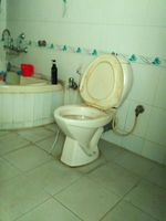 12J6U00009: Bathroom 1