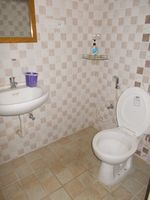 11S9U00247: Bathroom 2