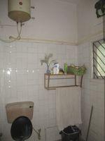 11NBU00427: Bathroom 2