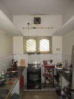11NBU00427: Kitchen 1