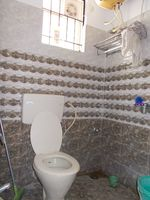 11OAU00270: Bathroom 2