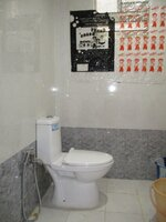 15A8U00385: Bathroom 2