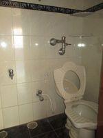 13M3U00417: Bathroom 4