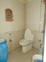 13A8U00292: Bathroom 1