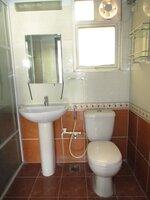15F2U00343: Bathroom 2