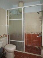 15F2U00343: Bathroom 1