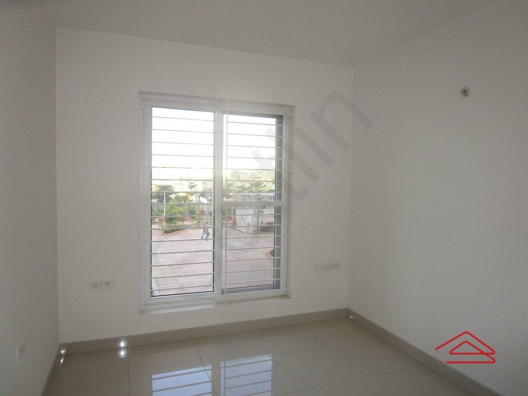 13J7U00151: Bedroom 1
