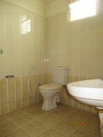 15S9U00602: Bathroom 2