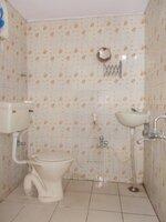 15J1U00158: Bathroom 2