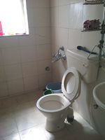 11DCU00449: Bathroom 1