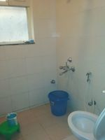 11DCU00449: Bathroom 3