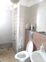 13S9U00051: Bathroom 1