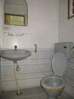 15S9U00959: Bathroom 1