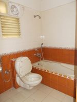 13M5U00245: Bathroom 1