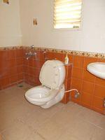 13M5U00245: Bathroom 2