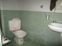11NBU00323: Bathroom 1