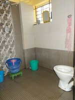 13NBU00214: Bathroom 2