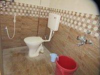 13DCU00480: Bathroom 2