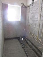 13J7U00042: Bathroom 3