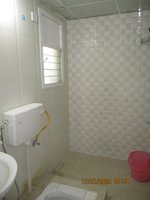 14J1U00204: Bathroom 2