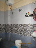 15A8U00692: Bathroom 1