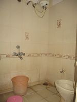 12J1U00049: Bathroom 1