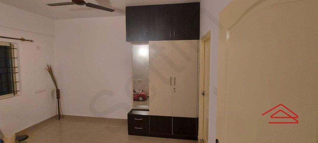 15S9U00975: Bedroom 1