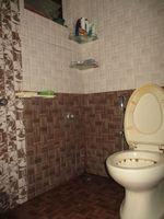 12M5U00007: Bathroom 3