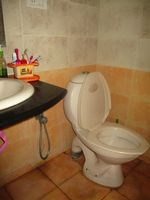 10J7U00159: Bathroom 1