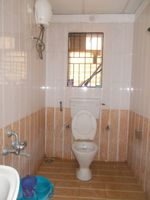 12NBU00093: Bathroom 2