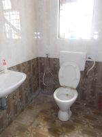 12NBU00093: Bathroom 1