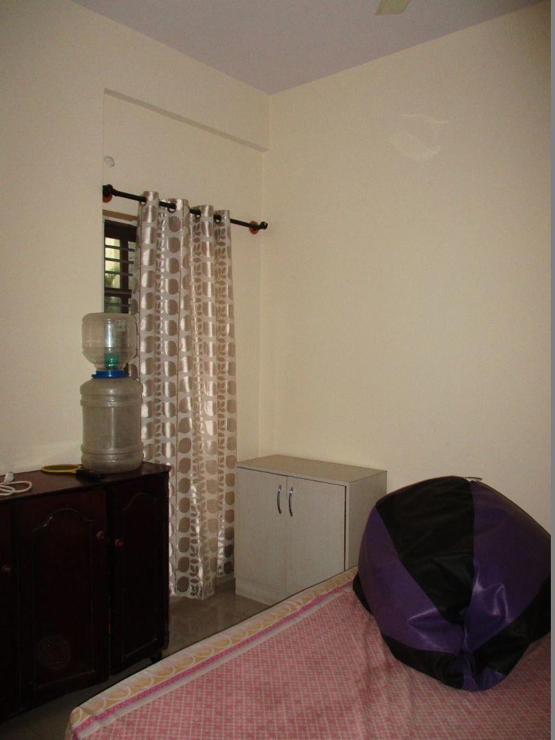 10J6U00288: Bedroom 1