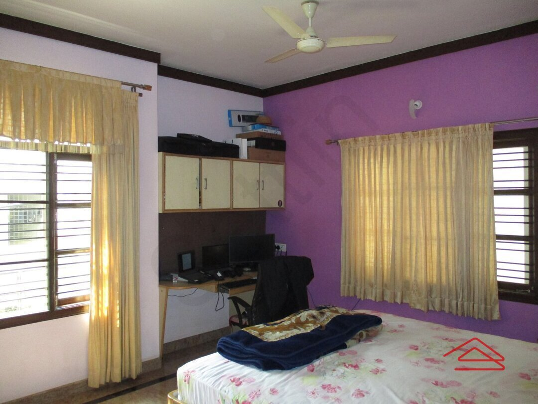 15A4U00267: bedroom 1