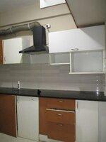 15S9U01073: Kitchen 1