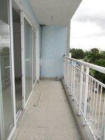 15J7U00060: Balcony 1